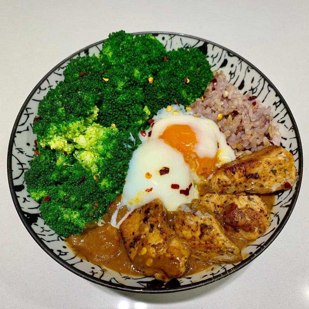 咖喱溫泉玉子雞肉丼
